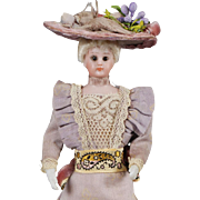 Dollhouse Lady from Simon & Halbig