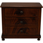 Classic French Chest of Drawers