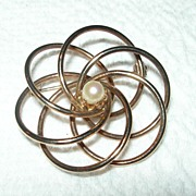 REDUCED Vintage Gold-toned & Faux Pearl Brooch