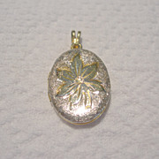 REDUCED Vintage, Unsigned, Gold Tone Oval Locket