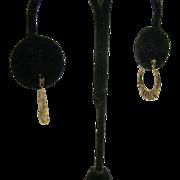 SALE 10K Gold Oval hoop earrings