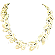 SALE Simple Trifari Gold-tone Leaf Necklace
