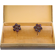 Vintage Garnet ear studs, 14k yellow gold, ca. 1950
