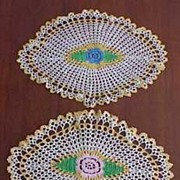 Vintage Oval Crochet FLORAL MEDALLION Table Dresser Doily PAIR 15x10 & 14x9.5