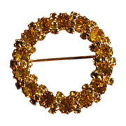 Vintage Juliana D&E Golden Rhinestone Circle Brooch