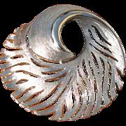 Vintage Feathery Swirl Circle Brooch in Silvertone