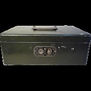 Rare-American-Trade-mark-Hand-Safe-Metal-Box-Collectible