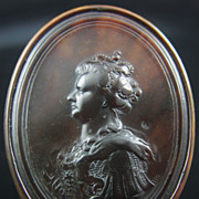 Tortoise Shell Cameo Snuff Box of Queen Anne of Great Britain signed John Obrisset