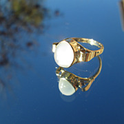 9kt Yellow Gold Smokey Grey Oval Moonstone Ladies Ring