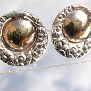 Sterling/9kt Round Textured Stud Earrings.