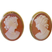 SALE Perfect Vintage 18K Cameo Earrings Clip Pretty Button Style