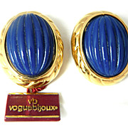 VOGUE bijoux HUGE blue resin button earrings still with tags!