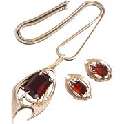 Sarah Coventry Dramatic and Modernist Topaz Rhinestone, Gold Tone Necklace, Earrings Set