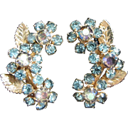 Vintage Weiss Delicate Rhinestone Flower Earrings