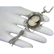 Whiting & Davis Glass Cameo Pendant Necklace