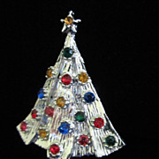Vintage Rhinestone Christmas Tree Pin Brooch