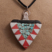 Arrow Point Shape Necklace of Turquoise Chip Inlay, Coral and Onyx