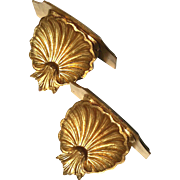 Vintage Pair Of Florentine Gilt Wood Scallop Shell Wall Shelves