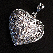 Vintage Sterling Pierced Puffy Heart Pendant Kissing Doves