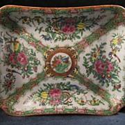 19th Century Chinese Export Porcelain Rose Medallion Rectangular Open Vegetable Serving Dish