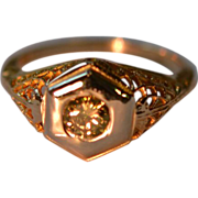 Edwardian Champagne Diamond and Gold Filagree Ring