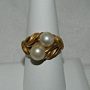 SALE So Pretty Vintage Avon Faux Pearl Ring ~ Size 9.5