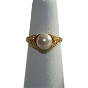 SALE Pretty Vintage Faux Pearl Rhinestone Ring sz 6.5