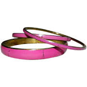 SALE Set of 3 ~ Brass HOt Pink Inlay Shell Bangle Bracelets