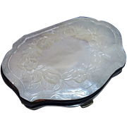 Victorian Engraved Mother of Pearl Small Purse
