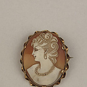 1979 9ct Yellow Gold Classical Lady Cameo Brooch