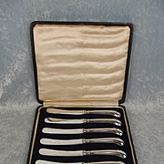 Cased Set Of Six Silver Handled Butter Knives 1917