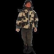 Action Man 3rd Version Parachute Regiment Uniform & Circa 1978 Eagle eyes Action Man