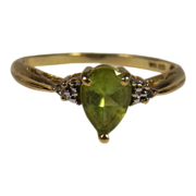 SALE Estate 10K Yellow Gold Peridot and Diamond Ring
