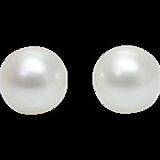 SALE Small Cream Pearl Stud Earrings Simple Dainty Studs Pearl Earrings Pearls Wedding Jewelry