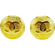 MINT! Chanel Earrings With Interlocking C