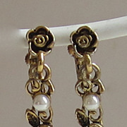 SALE Adorable Vintage Floral and Faux Pear Goldtone Earrings