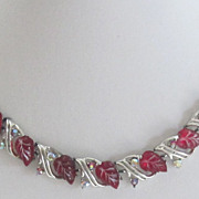 Lovely Vintage Silver Tone Red Glass Necklace