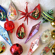 REDUCED 17  Vintage Plastic Christmas Ornaments Atomic Sputnik Diorama Bell Disco Ball