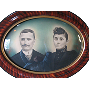 """Large Antique Oval Wood Frame Tiger Stripe Convex Bubble Glass 25"""" x 19"""" With Couple"""