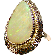 1950'S Ladies 14K Yellow Gold Ring with a Large 12.54 Carat Solid Australian Opal