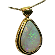 Ladies Australian 14.42 Carat Solid Opal Handcrafted 18K Yellow Gold Pendant