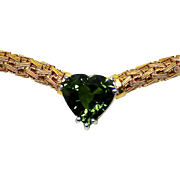 Ladies Italian 18K Gold Necklace featuring a 6.83 Carat Green Sapphire