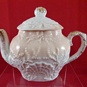 Wonderful Shell and Seaweed One Cup Teapot with Shell Finial