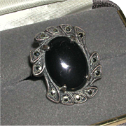 Vintage Sterling Deco Marcasite Prong Set Black Onyx Cabachon Cocktail Ring marked