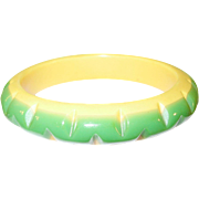 SALE Vintage Bakelite Zigzag Bangle Green Yellow