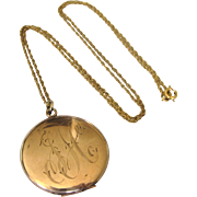 """Beautiful c. 1900 Gold Filled Monogrammed Signed Locket With 22"""" Gold Filled Chain"""