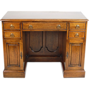 Georgian Style Excellent Quality Mahogany Kneehole Desk