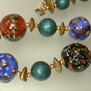 Gorgeous  vintage Japan painted bead necklace
