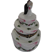 Limoges LAGLIORETTE Hand-painted Wedding cake w/Bride & Groom Trinket Box - signed Made in Fra