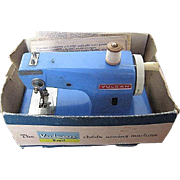 1940 Vintage Vulcan Regency Blue Child's sewing machine - Battery Operated - Original Box & ..